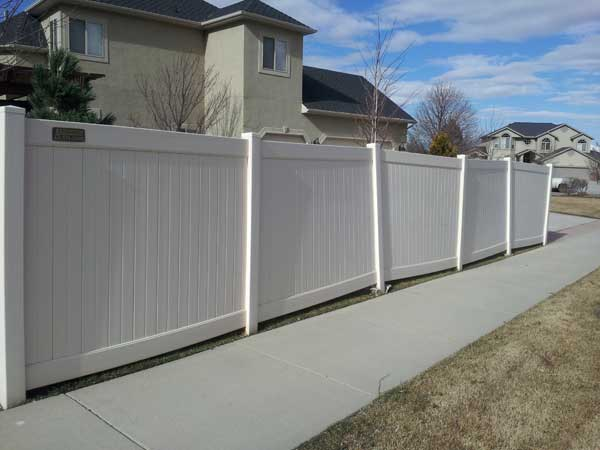 poor quality follows cheap fence contractor estimates