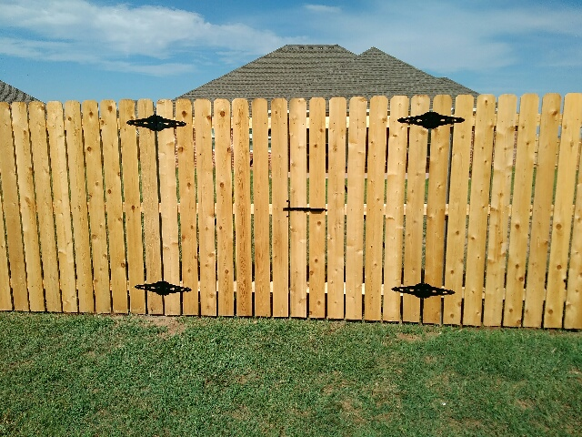 Installing fences with gates in central Oklahoma | FenceOKC.com