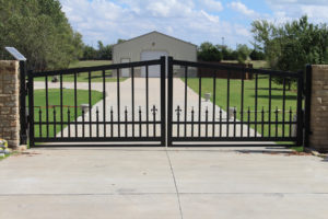 Custom built grand residential driveway entrance by Fence OKC